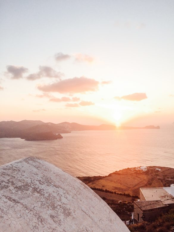 Discover Greece : The beauty of Milos