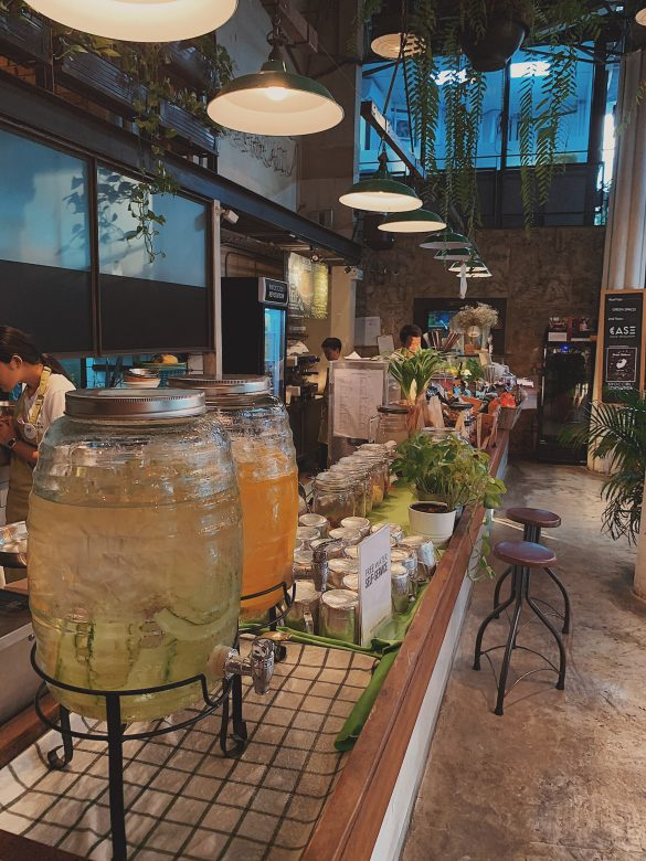 3 awesome breakfast places in Bangkok.